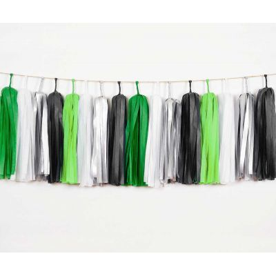 Тассел гирлянда. Зеленый, черный, белый серебро