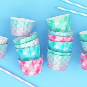 Красивая сервировка праздничного стола - залог стильной вечеринки. И это очень верно! Здесь на помощь придут изящные формочки для мини-кексов с кремом/ капкейков с посыпкой.